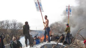 dapl-burning-tires-pipeline-protest-oct-2016